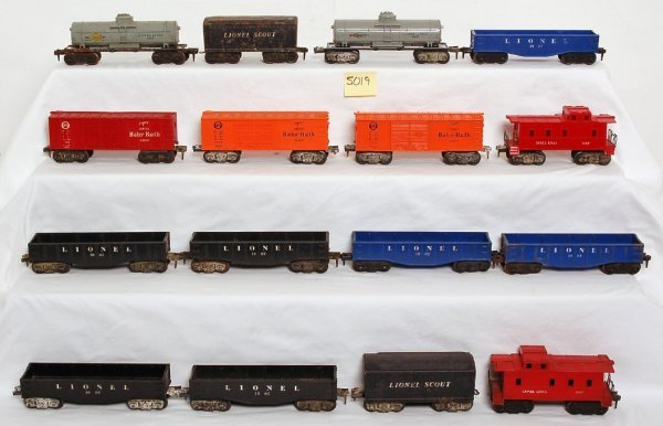 5019: Twenty-two Lionel Scout type trains and cars