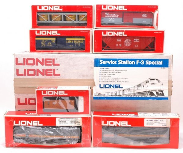 2022: Lionel 1579 Milwaukee Road Freight Set MINT OB