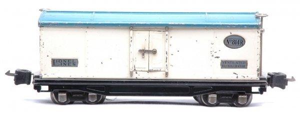 802: Lionel 814R Refrigerator White Light Blue Roof