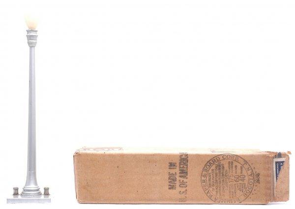 803: Lionel 52 Aluminum Lamp Post Boxed