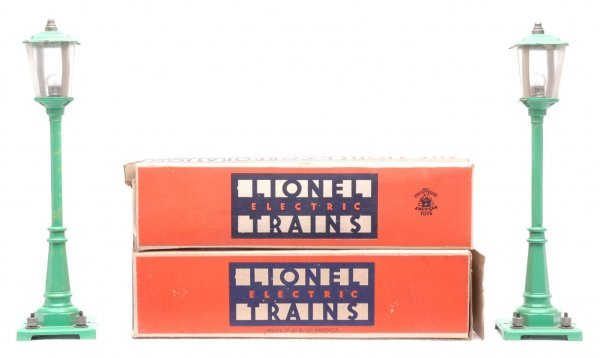 804: Lionel two 45N Green  56 Lamp Posts Boxed