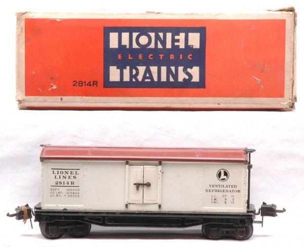 809: Lionel 814R White Refrigerator Brown Roof Boxed