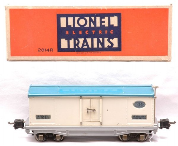 810: Lionel 2814R White Refrigerator Blue Roof Boxed