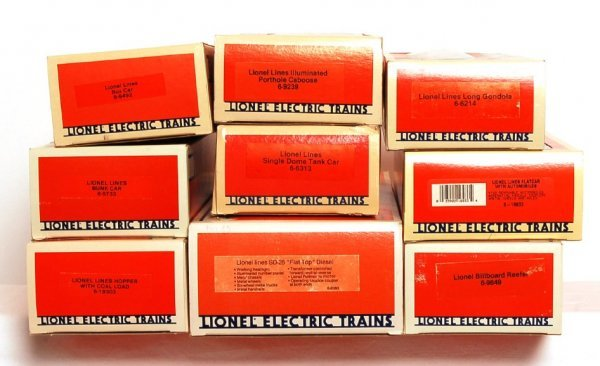 7: Lionel Lines 8380 SD-28 and eight freight cars