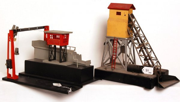 21: Lionel manual culvert unloader, coal elevator