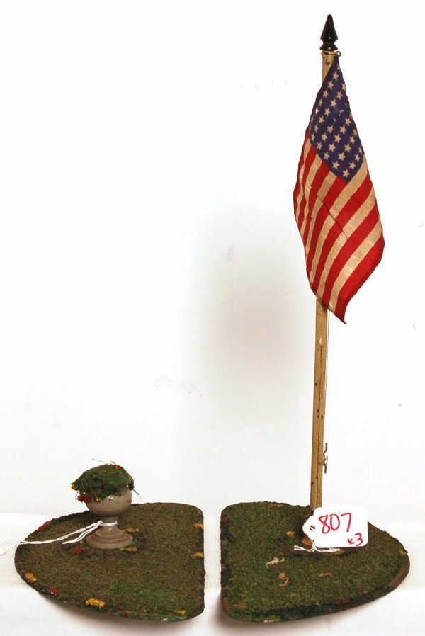 807: Lionel 128 terrace flag/planter, 90 flagpole