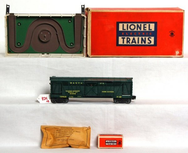 824: Lionel 3356 operating horse car and corral in OB