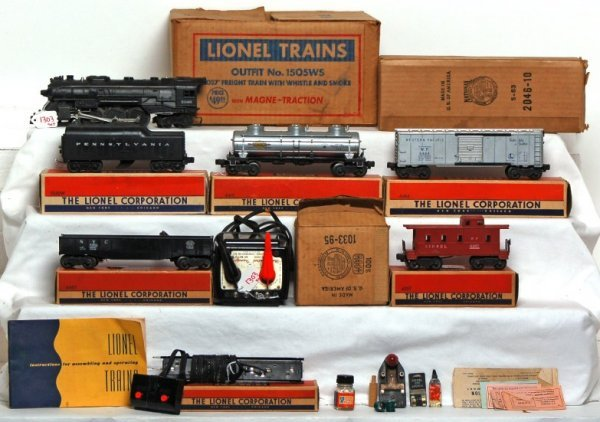 1303: Boxed Lionel 1505WS freight train set, 2046...