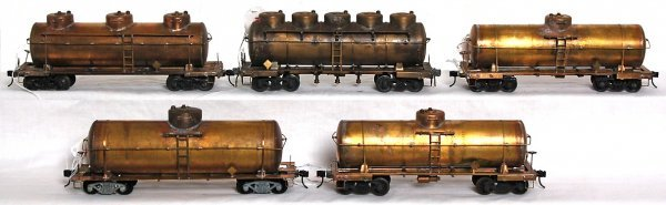 16: Five unfinished brass O scale 2 rail tank cars
