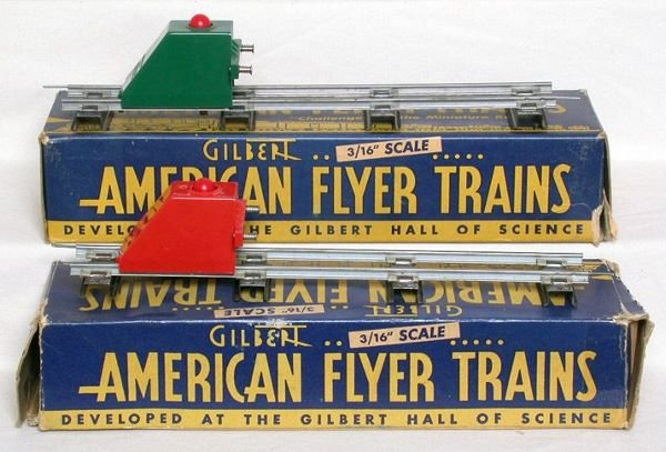 1009: American Flyer 730 bumpers, red and green