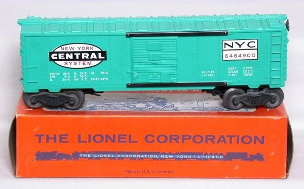 3017: Lionel 6464-900 New York Central boxcar in box