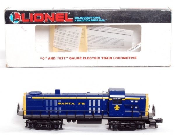 13: Lionel 18803 Santa Fe RS-3 diesel in OB