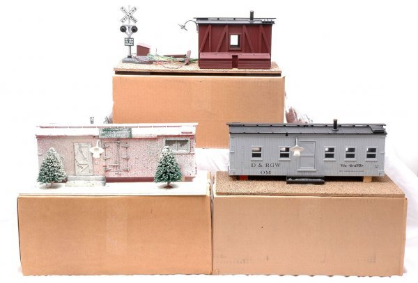 3: USA Trains G Scale 3 Roadside Shanties MINT OB