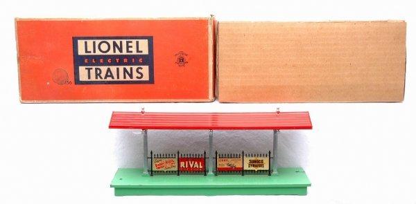 609: Lionel 156 Illuminated Platform Boxed