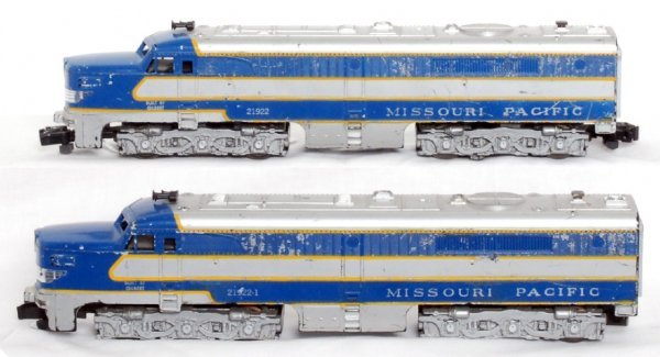 18: American Flyer 21922 and 21922-1 Missouri Pacific