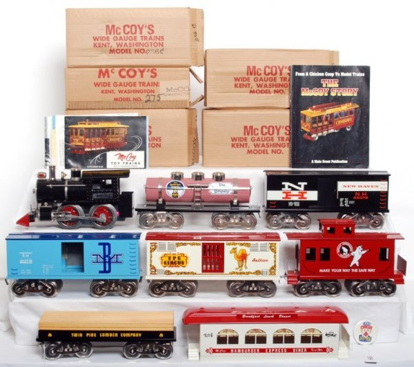 334: McCoy wide gauge loco, six freight cars, diner
