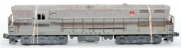 3: Lionel 2321 Erie Lackawanna FM Trainmaster
