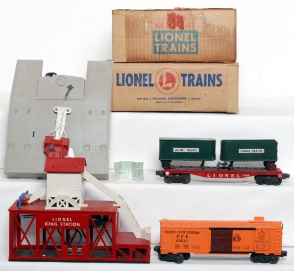 15: Lionel 352 ice depot and 460 piggyback in OB