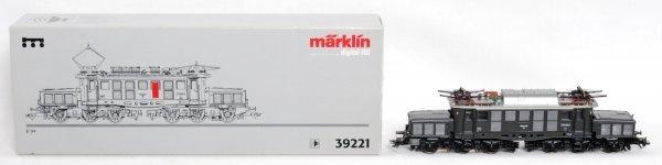 292: Marklin 39221 HO E 94 electric locomotive in OB