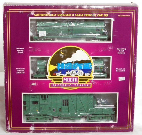 4: MTH 20-2251-1 Union Pacific 3 car weed sprayer