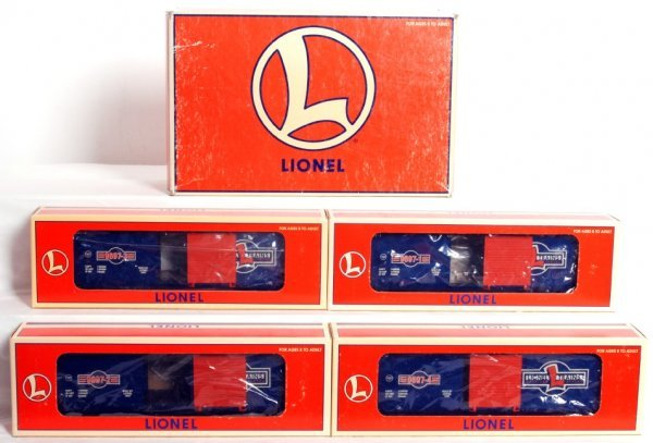 9: Lionel 29200 1997 Centennial Series boxcars
