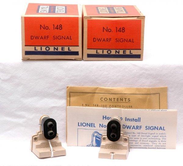 502: Lionel Postwar two 148 Dwarf Signals MINT OBs