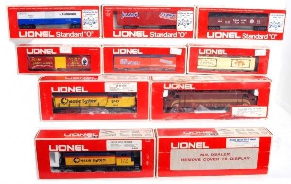 17: Lionel locos, freight cars, accessories in OB
