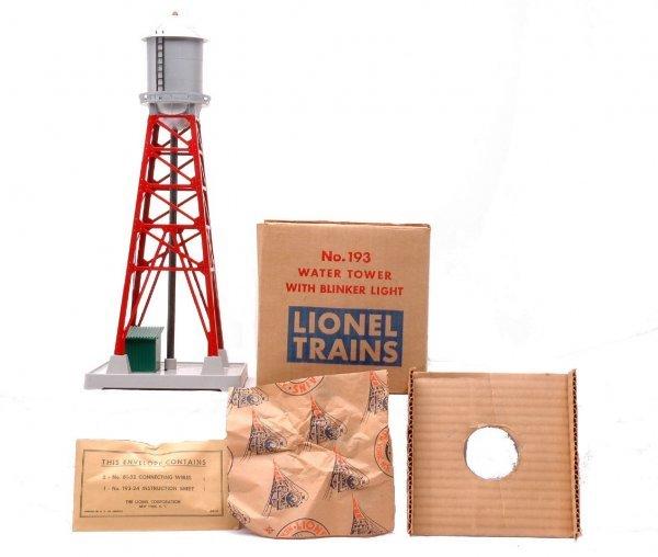 8: Lionel 193 Water Tower w/Blinker Light MINT Boxed