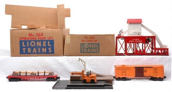 13: Lionel 264 Fork Lift 352 Ice Depot Set Boxed