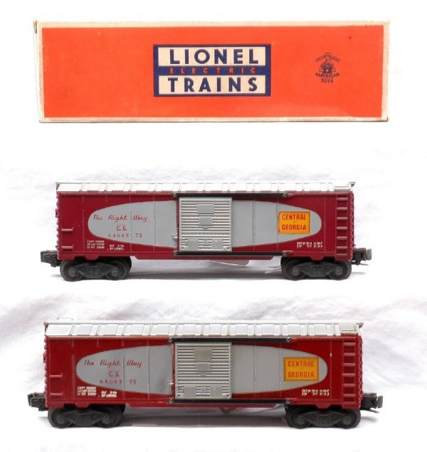 19: Lionel two 6464-375 Central of Georgia Boxcars