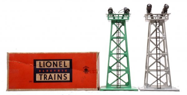 621: Lionel 395 Green OB 395 Aluminum Floodlights LN
