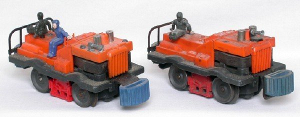 7: Two Lionel 50 gang cars