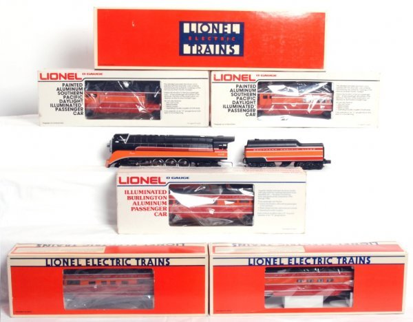7: Lionel 18007 SP Daylight w/five passenger cars in OB