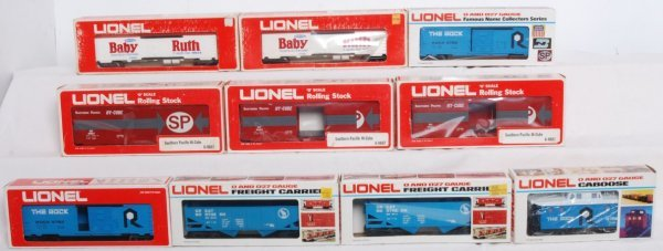 8: Lot of 20 Lionel rolling stock