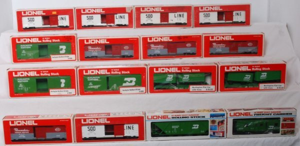 15: Lot of 16 Lionel rolling stock