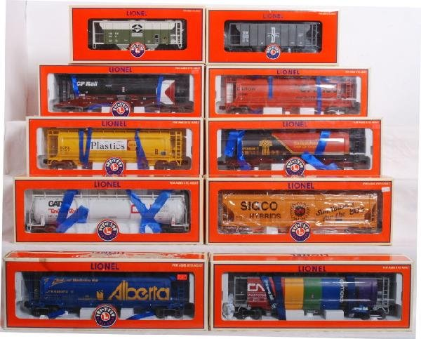 17: 10 Modern Lionel Hoppers and Tank Train car