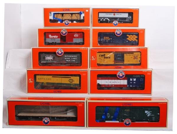 19: 10 Modern Lionel Boxcars and Flatcars