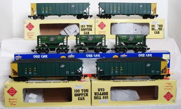 3: 7 Aristo Craft and USA trains C&NW hoppers