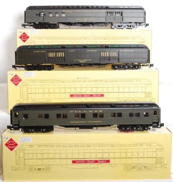 26: 9 Aristo Craft C&NW Heavyweight passenger cars