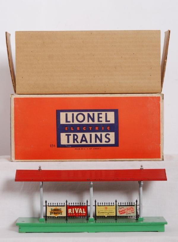 18: Lionel postwar O gauge No. 156 ill. platform in OB