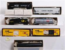 36: Lot of 10 Weaver / Atlas O scale kit freight cars
