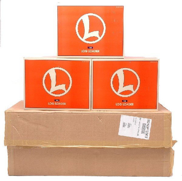 8: Lionel three 12915 Log Loaders MINT Boxed