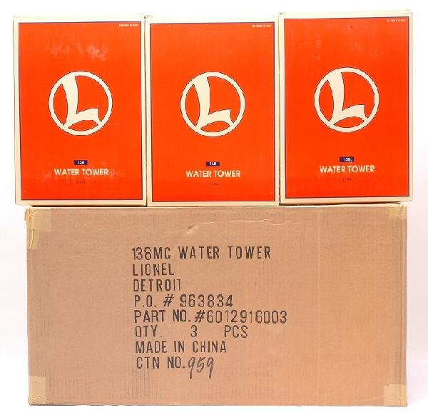15: Lionel three 12916 Water Towers MINT Boxed