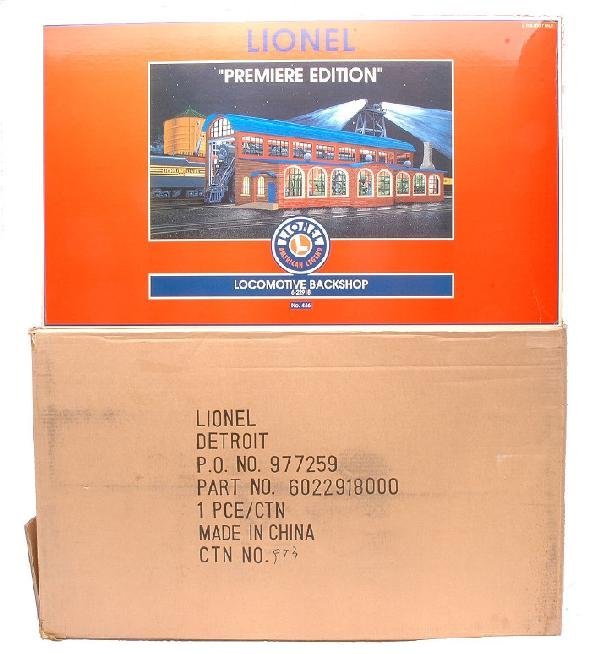 17: Lionel 22918 Locomotive Backshop MINT Boxed