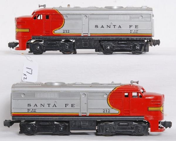 17: Postwar Lionel No. 212 Santa Fe Alco A units