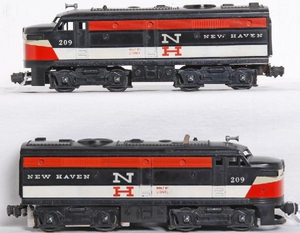 19: Postwar Lionel No. 209 New Haven Alco A units