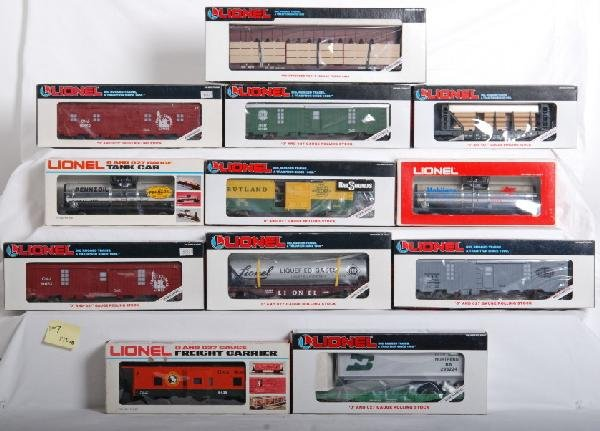 1007: 12 Lionel freight cars BN, N&W, GN, Etc.