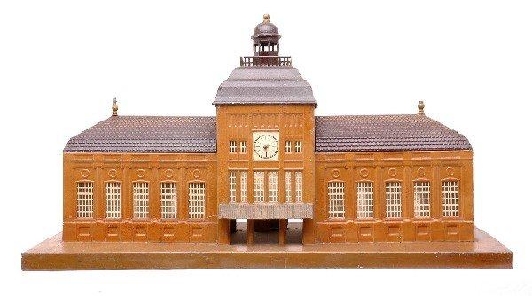 393: Marklin Large Passenger Train Station