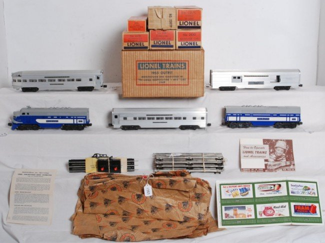 1383: Boxed Lionel 2244W Wabash passenger set
