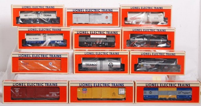 2: Lionel cars 12 total, 17208, 17209, 17900, etc.